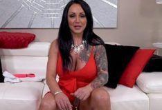 Ashton Blake milf latina com piercing na buceta PORN HD