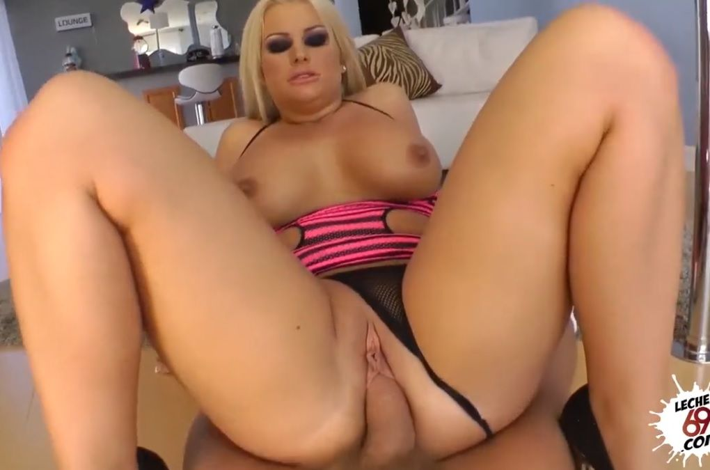 Julie Cash Loira Gostosa Porn HD