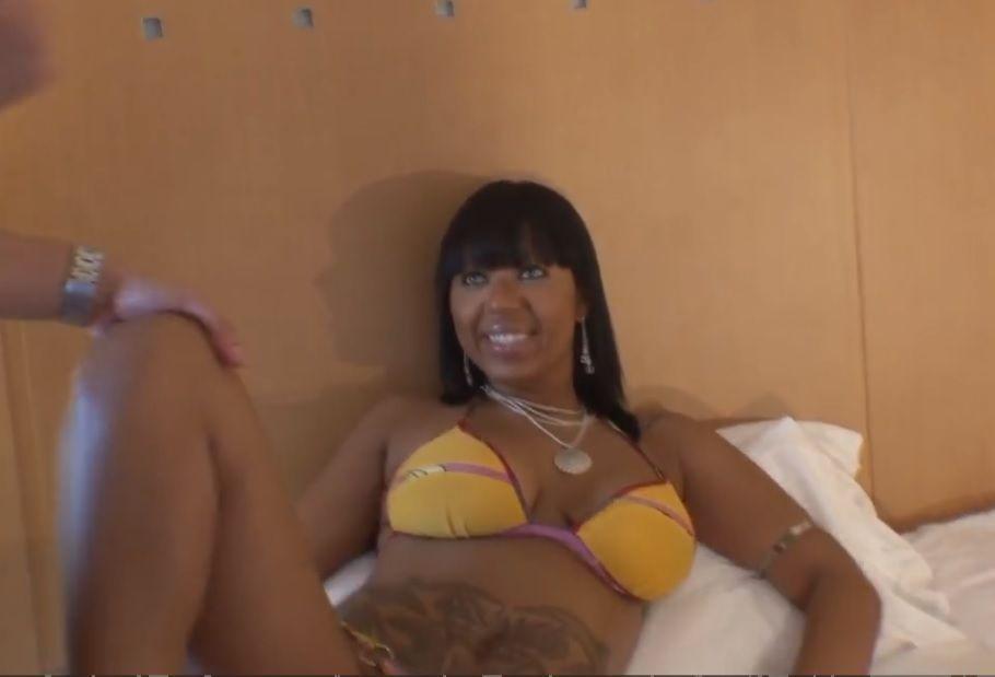 Sexo com morena puta brasileira PORN HD
