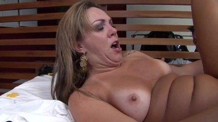 Sexo anal com loira gostosa Alessandra Maia PORN HD