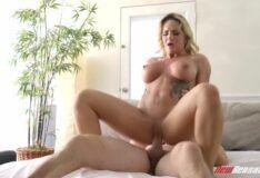 Milf loira transando gostoso video porno Cali Carter PORN HD