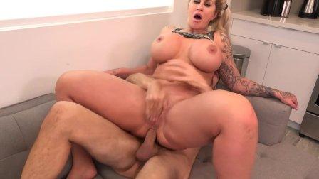Ryan Conner fudendo gostoso Milf Big ass anal